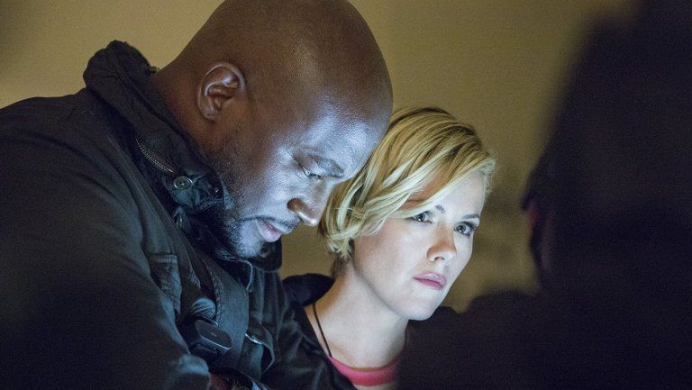 murder in the first s02e02 taye diggs kathleen robertson still