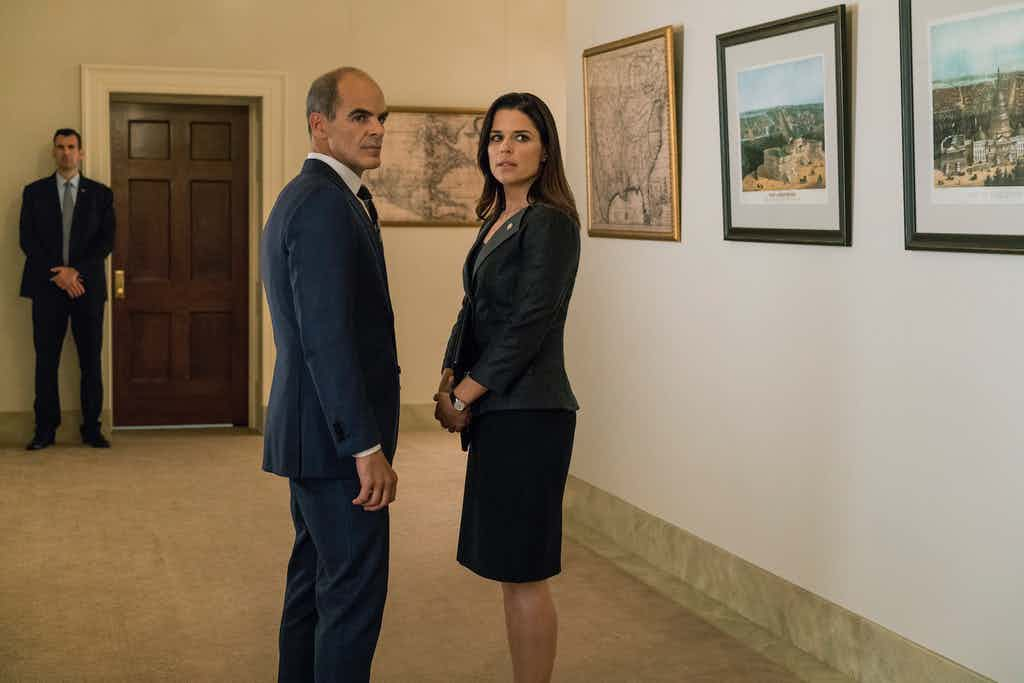 Michael Kelly as Doug Stamper and Neve Campbell as LeAnn Harvey in House of Cards