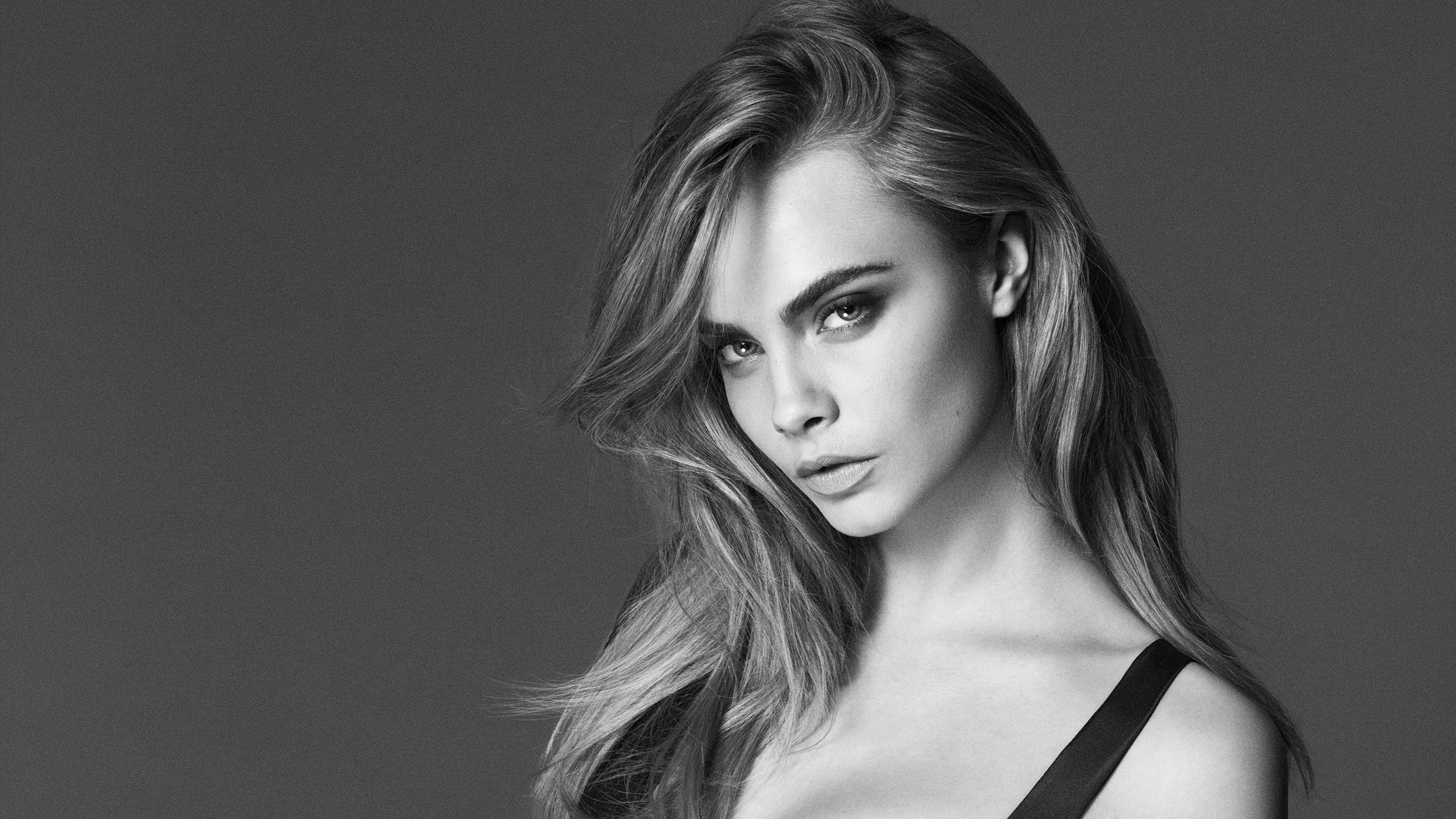 Cara Delevingne Black White Picture
